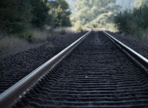 <p>Строительство и реконструкция железнодорожного полотна</p>